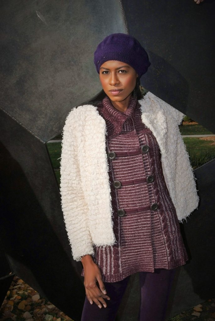 Angelica Guillen, Stylehopping, Sculpture, Zara pants, H&M cardigan,