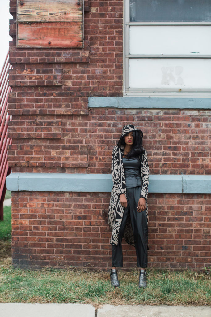 Faux leather, Zara, Long cardigan, print, all black, holiday, Angelica Guillen, Stylehopping, Sandra Cristina