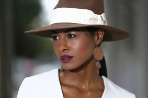 Brown hat side